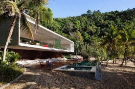 Modern Home in Paraty - Brazil