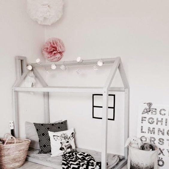 the montessori bed niche nook. Black Bedroom Furniture Sets. Home Design Ideas